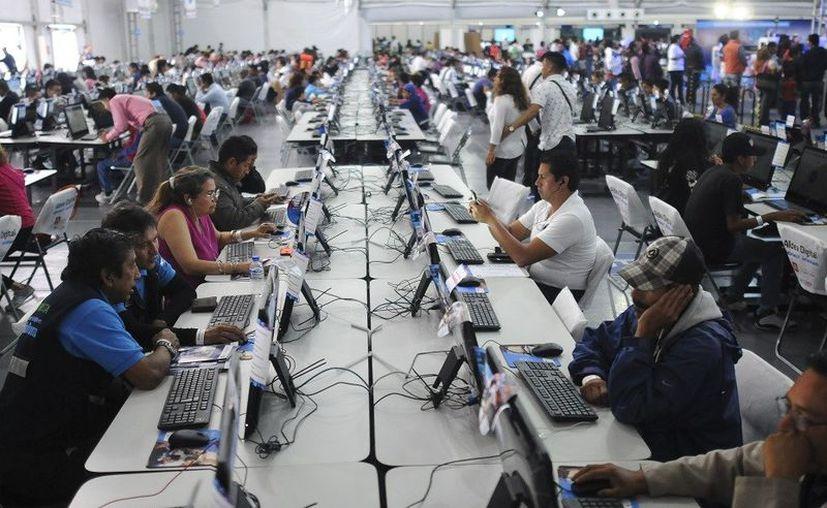 El tiempo promedio que usan internet las personas en México es de ocho horas y un minuto. (Reporte Índigo)