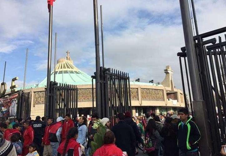 Miles de fieles de México y de muchas partes del mundo se dan cita en estos días en la Basílica de Guadalupe. (Fotos: excelsior.com)