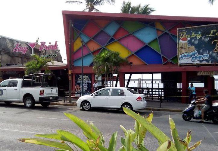 Registran a una persona muerta y cinco más heridas en un bar de Acapulco. (La Jornada)