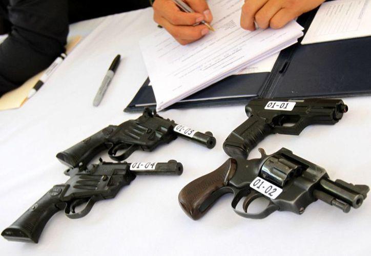 La Sedena indicó que hasta el 2 de julio de 2014 han sido decomisadas más de 250 armas. (Archivo/Notimex)