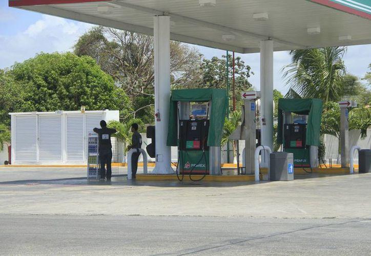 La Profeco implementará una revisión en los establecimientos de gasolina. (Harold Alcocer/SIPSE)