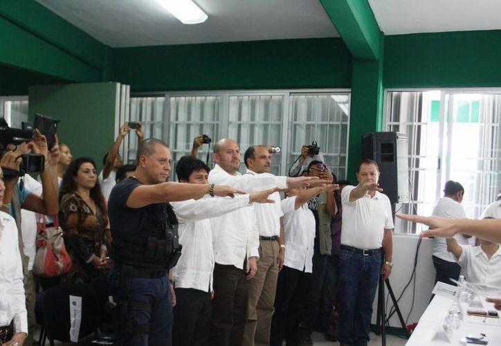 Toman protesta a los nuevos integrantes del Coplademun. (Rossy López/SIPSE)