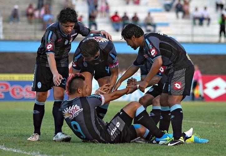 Si el CF Mérida termina como campeón, obtendrá 'medio boleto' para logar el ascenso. (SIPSE)