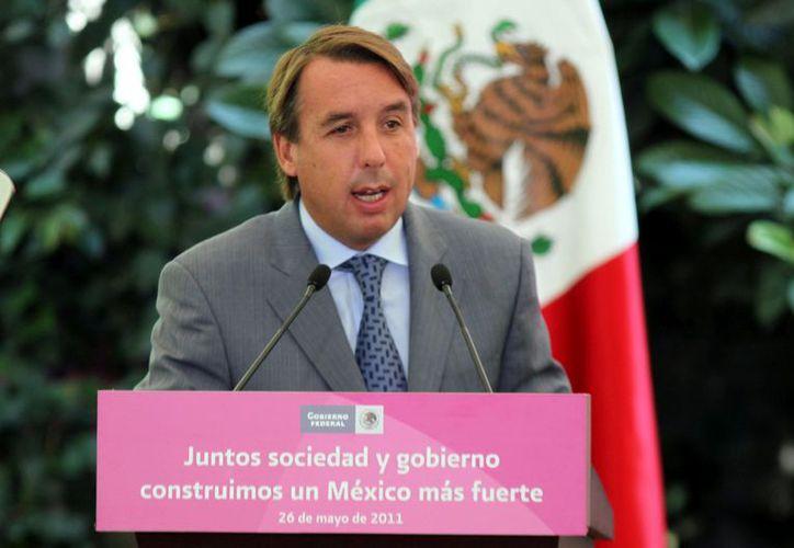 Azcárraga expresó en Twitter su apoyo al recién firmado Pacto por México. (Reforma)