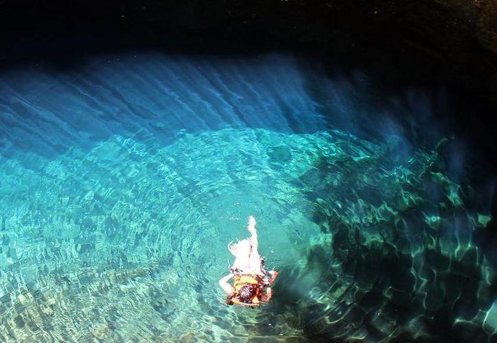 Buscarán que Yucatán se alce como patrimonio mixto por su riqueza acuífera, por la serie de cenotes formados a partir del choque de un aerolito en la Península. (Notimex)