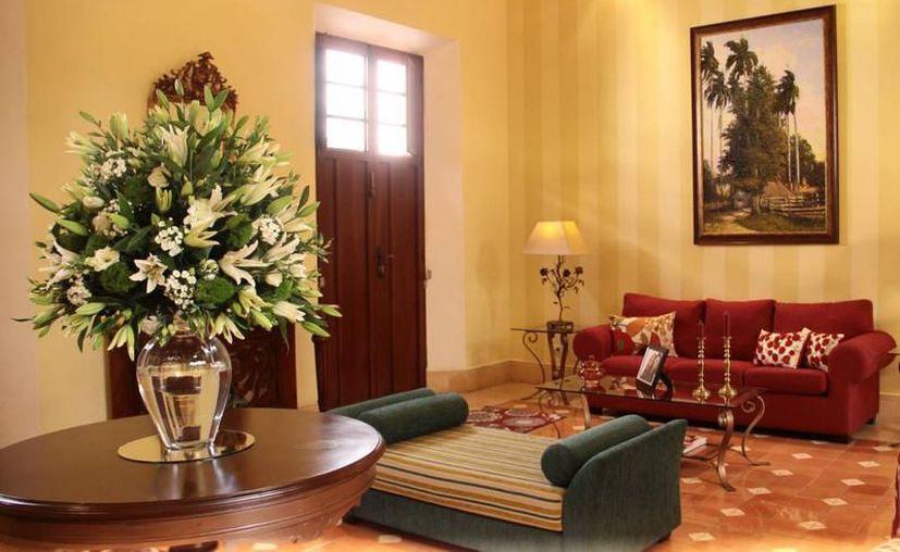"""Casas o habitaciones de todo tipo  se ofrecen a visitantes a precios más bajos; los hoteleros lo han calificado como """"competencia desleal"""". (Archivo/ SIPSE)"""