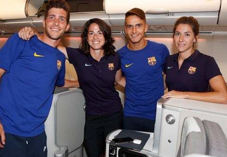 En redes sociales se desató la polémica sobre los asientos de vuelo destinados a las jugadoras del FC Barcelona, en comparación con los que ocupan los jugadores. (FC Barcelona)