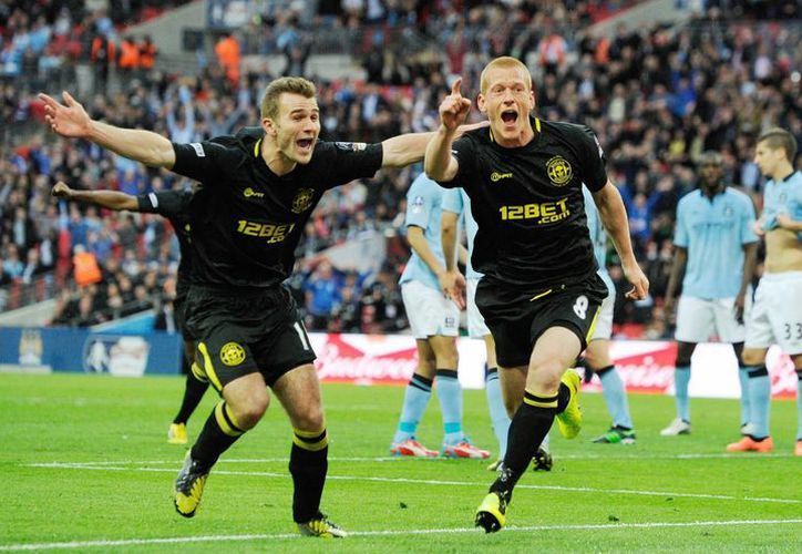 Ben Watson le dio al Wigan su primer título en la Copa de Inglaterra. (Foto: EFE)