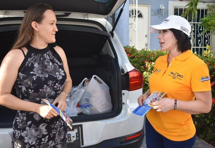 Los candidatos a diputados federales, senadores y presidentes municipales en Quintana Roo serán aliados del gobernador Carlos Joaquín para seguir con el sendero de cambio que inició hace dos años. (Redacción/SIPSE)