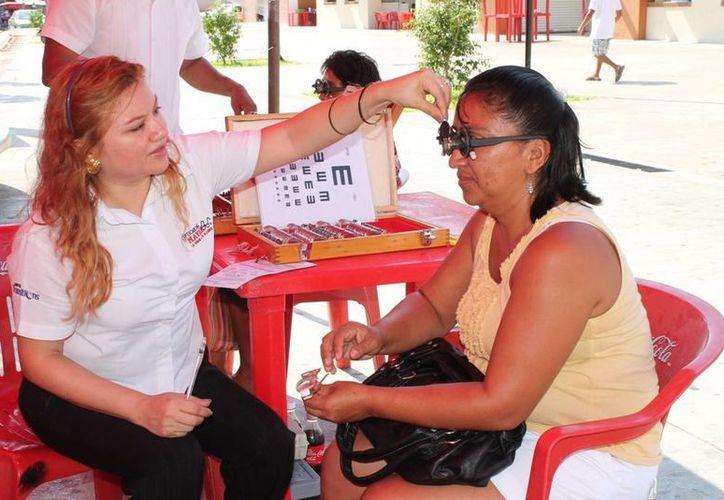 La Feria de la Salud se realizó en la plaza principal de Motul. (Cortesía)