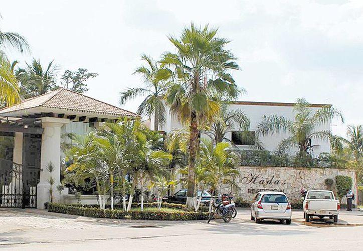 Ayer se hizo la inspección, con el fin de un avalúo, de una casa en la privada Las Hadas en Villahermosa, presuntamente de Granier. (Milenio)