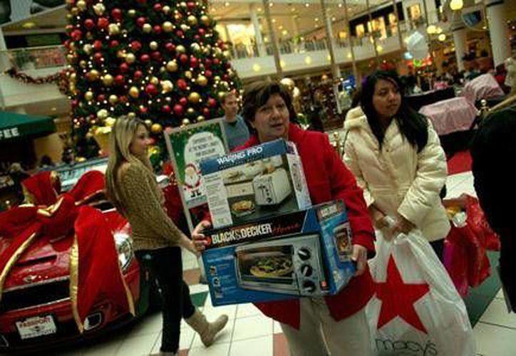 Tu mente es tu mejor aliada para no caer en las compras compulsivas de las fiestas decembrinas. (López-Dóriga Digital)