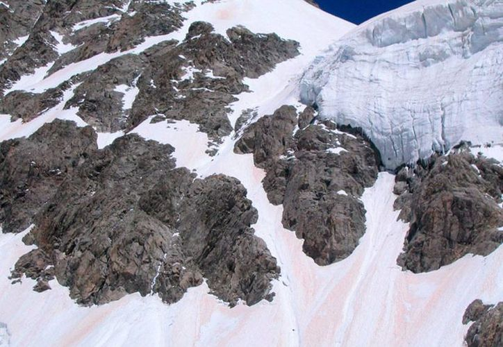 Al menos 3 personas murieron en los Alpes franceses, tras una avalancha que sorprendió a varios turistas. La imagen es solo ilustrativa. (Archivo/Efe)