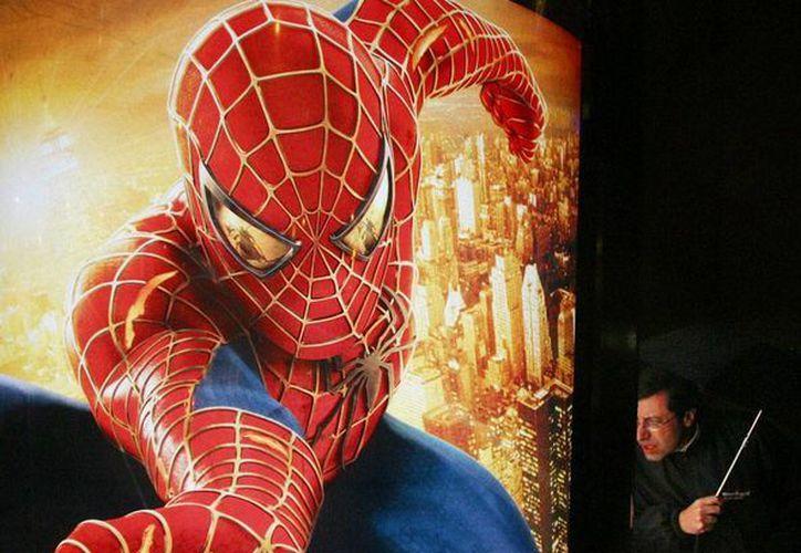 Las compañías Marvel y Sony firmaron un acuerdo para lanzar una nueva película de Spiderman. La imagen es de un cartel de la película, utilizada únicamente con contexto. (AP/Archivo)