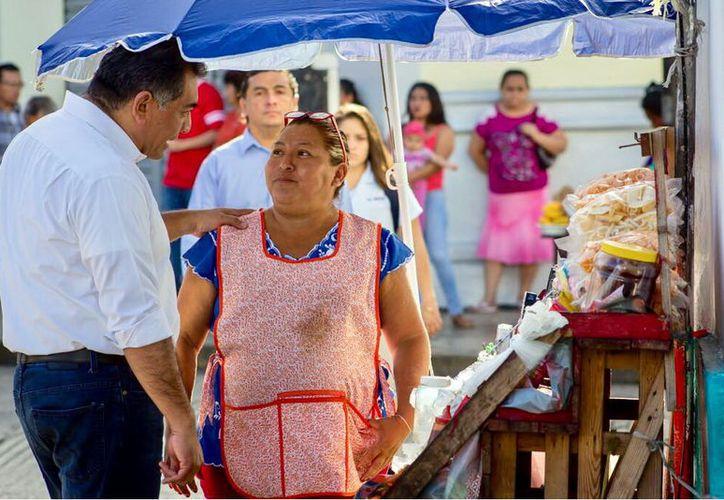 Capacitación es una de las prioridades para el aspirante a la alcaldía,  Víctor Caballero. (Milenio Novedades)