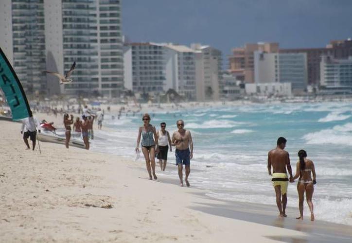 Los hoteleros están en total desacuerdo de lesionar la economía de los turistas. (Redacción)