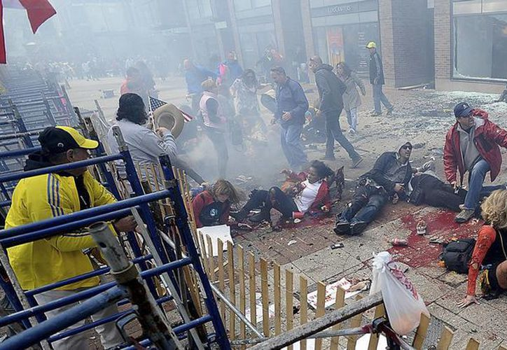 Al menos dos personas murieron y 23 resultaron heridas tras las explosiones. (Agencias)