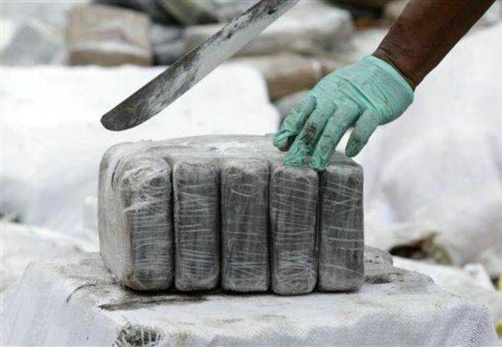 En lo que va del año la fuerza naval ha incautado en operaciones en aguas colombianas y extranjeras más de 33 toneladas de cocaína. Imagen de contexto. (Archivo/AP)