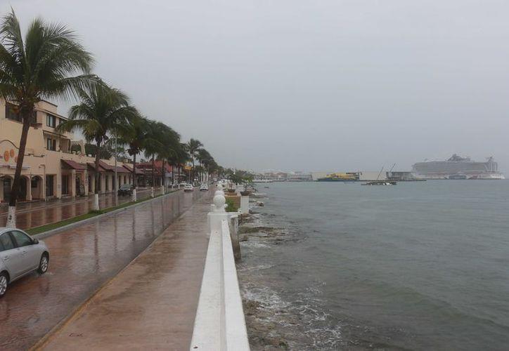 Los prestadores de servicios turísticos acuáticos también se vieron afectados por la falta de clientela. (Gustavo Villegas/ SIPSE)