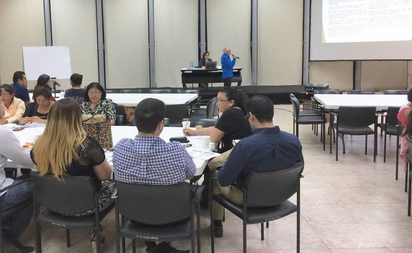 Jueces participaron este fin de semana en mesas de estudio de las reformas aprobadas el pasado 6 de diciembre por el Senado de la República, al Código de Comercio. (SIPSE)