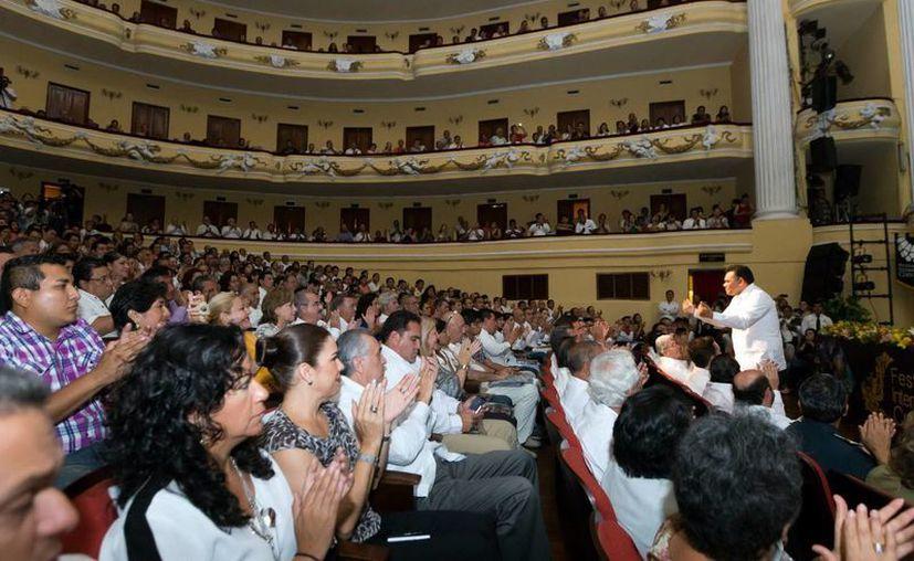 El Gobernador encabezó la presentación del FICMaya en el Peón Contreras de Mérida. (Milenio Novedades)