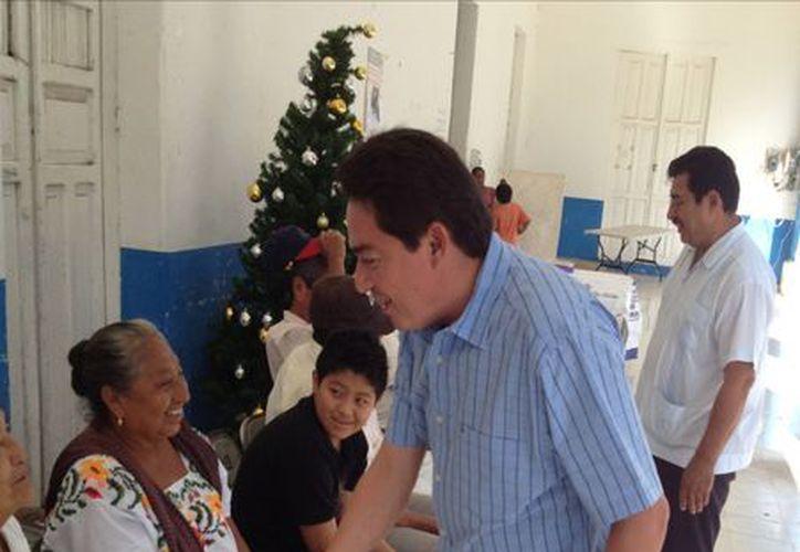Se realizaron exámenes gratuitos de la vista y se entregaron 25 lentes a pobladores del municipio de Abalá. (Cortesía)