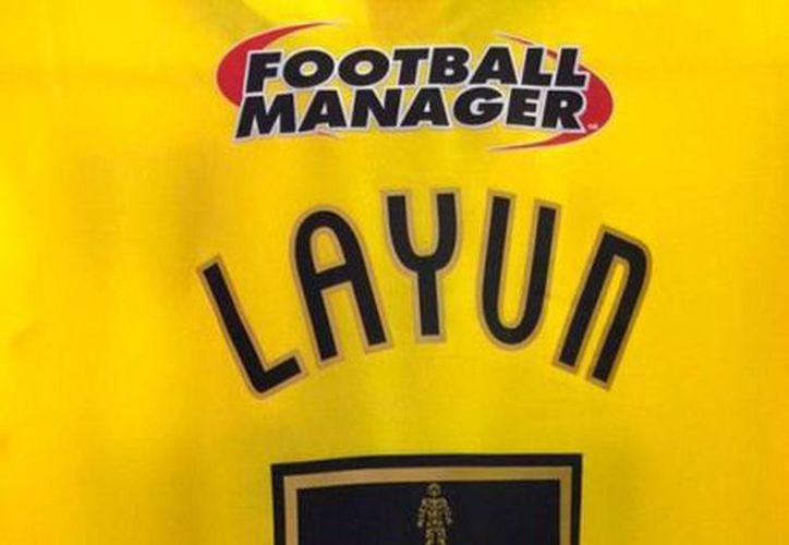Así lucirá la camiseta de Miguel Layún con el equipo Watford de la segunda división del futbol de Inglaterra, equipo con el que jugará 4.5 años. (excelsior.com.mx)