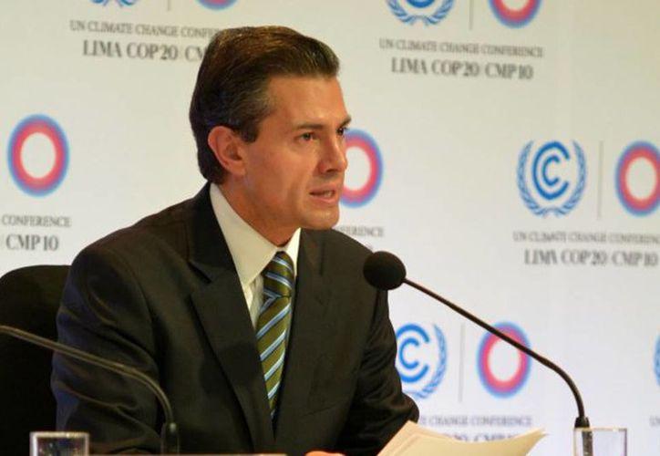 Imagen del Presidente de México durante la Convención Marco de la ONU sobre el Cambio Climático.  Aseguró que en noviembre el empleo formal tuvo un crecimiento de 4.2 por ciento. (presidencia.gob.mx)
