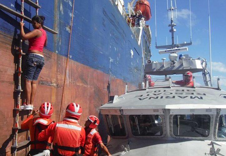 Las personas rescatadas fueron trasladadas a las instalaciones de Migración. (Redacción/SIPSE)