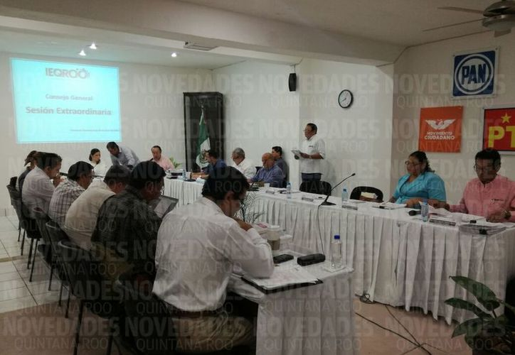 La sesión del Instituto Electoral de Quintana Roo duró más de una hora. (Redacción/SIPSE)