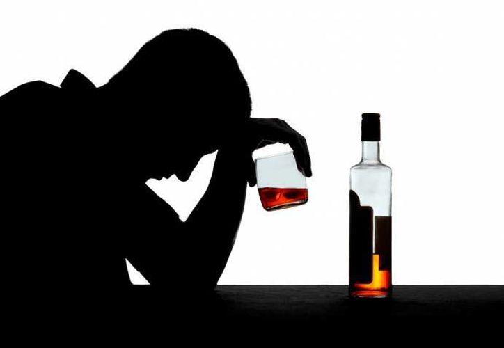De cada 10 personas alcohólicas, 4 padecen de depresión