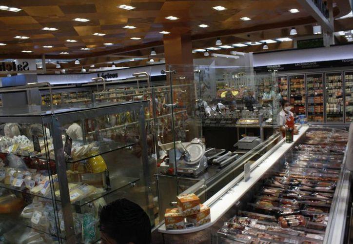 Tienda Selecto inició operaciones en zona hotelera de Cancún. (Israel Leal/SIPSE)