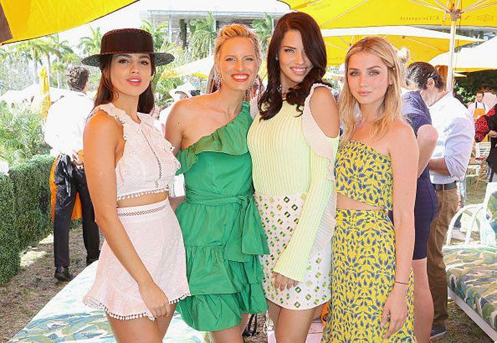 Eiza posó con las reconocidas modelos de talla internacional. (Foto: Getty Images)