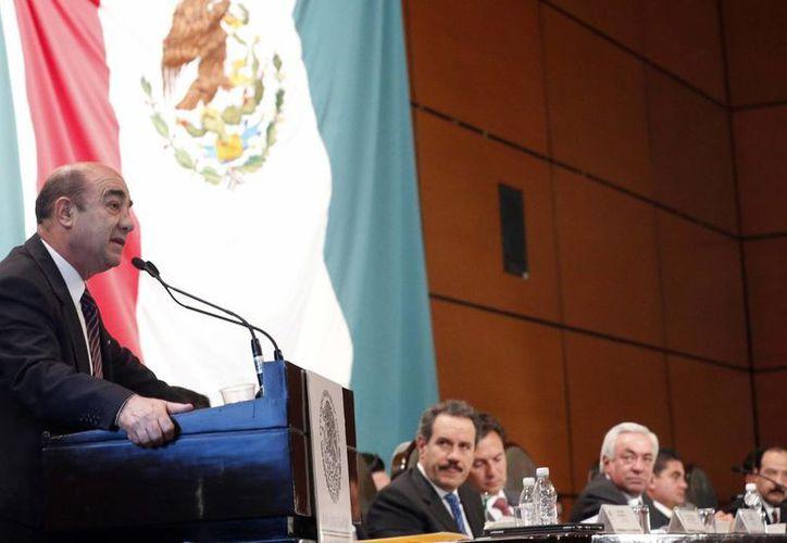 El procurador general de la República, Jesús Murillo Karam, comparece en la Cámara de Diputados sobre el caso de Oceanografía. (Notimex)