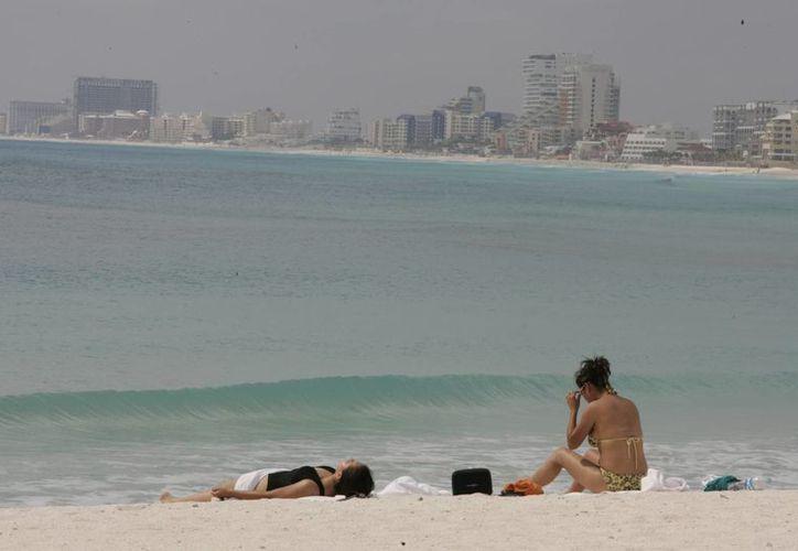 Los turistas del viejo continente ya deciden vivir en este destino turístico. (Israel leal/SIPSE)