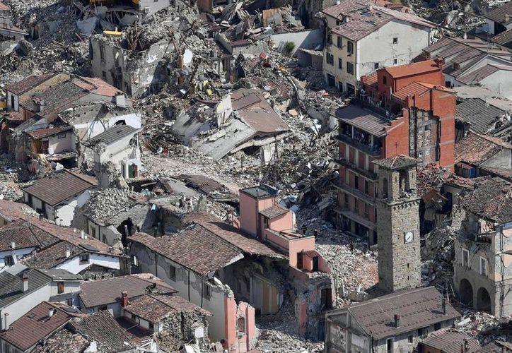 El pueblo de Amatrice quedó devastado por el intenso sismo del pasadoi 24 de agosto en la región central de Italia. (AP/Alessandro Di Meo)