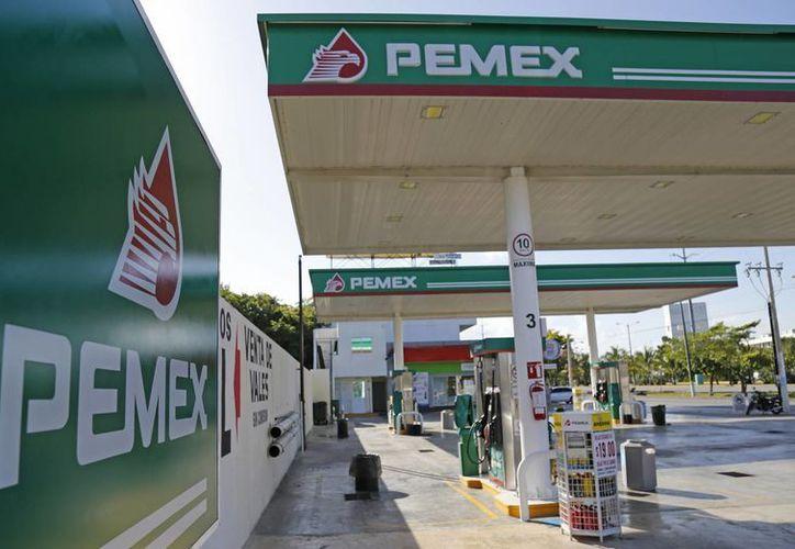 Algunas gasolineras reportan desabasto de combustible. (Jesús Tijerina/SIPSE)
