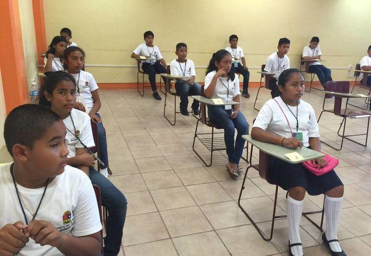 Los jóvenes destacados en la Olimpiada del Conocimiento viajarán a la Ciudad de México. (Octavio Martínez/SIPSE)