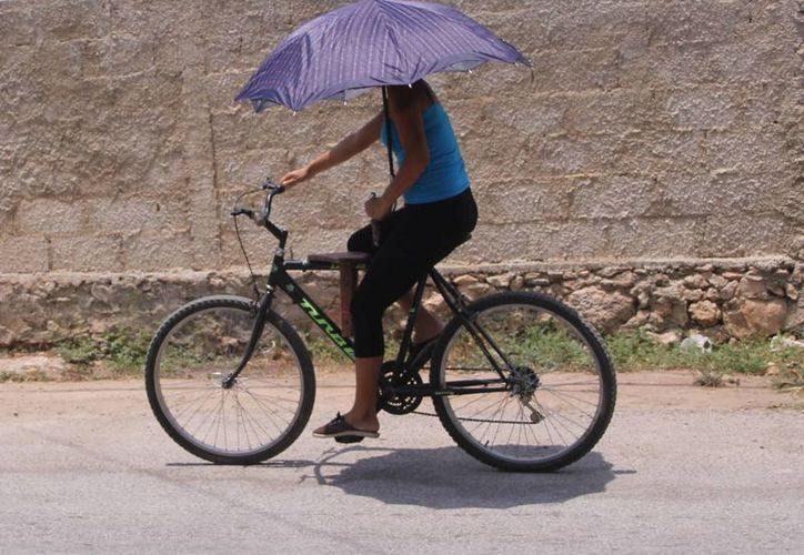 Por tercer día consecutivo se resienten en Mérida temperaturas superiores a 40 grados. (José Acosta/SIPSE)