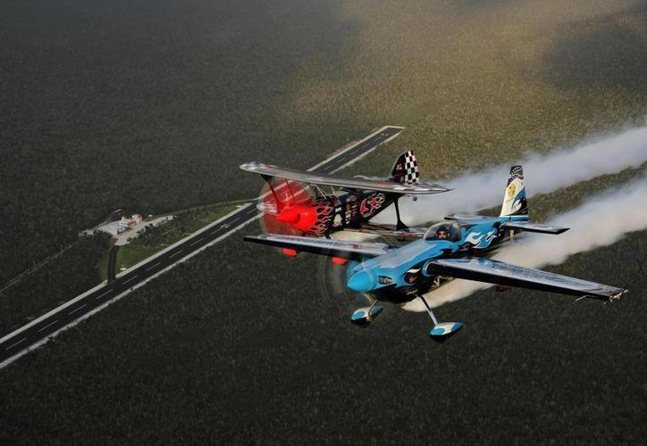 Hoy continúan las actividades del evento, en donde pilotos reconocidos realizarán acrobacias. (Internet)