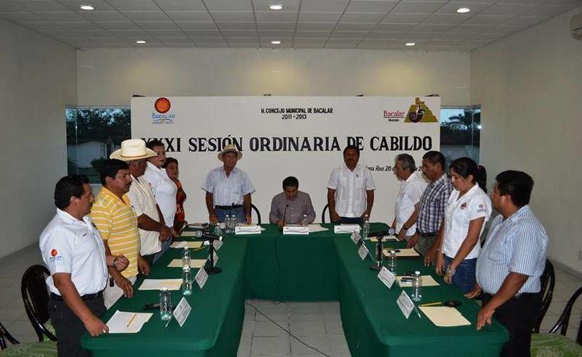 El Consejo Municipal de Bacalar aprobó por unanimidad que el fuero constitucional a los funcionarios, fuera eliminado. (Omar Capistrán/SIPSE)
