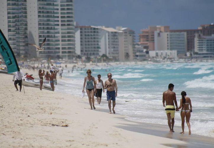 Turistas de seis entidades representan un mercado emergente para el centro de Cancún. (Jesús Tijerina/SIPSE)