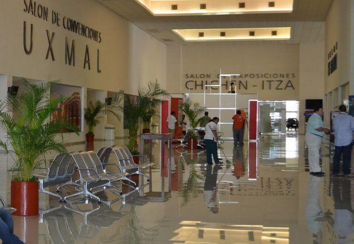 El Centro de Convenciones, sede de la Expo Vocacional Azteca 2015. (Milenio Novedades)