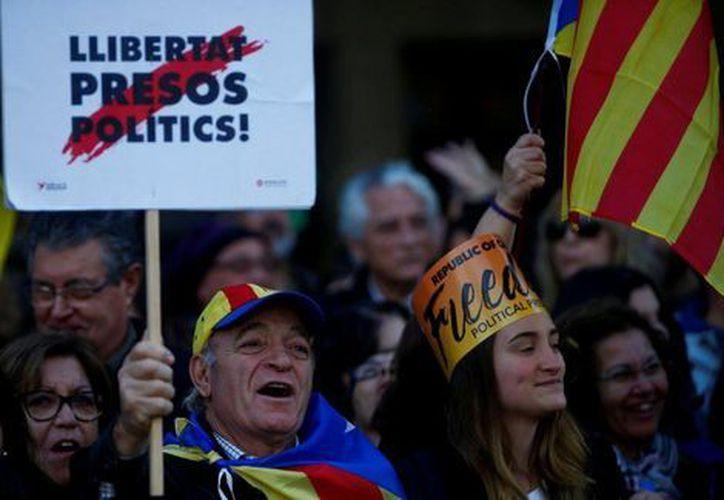 Miles marchan en Barcelona por la libertad de los exmiembros del Gobierno catalán, (Foto: Milenio)