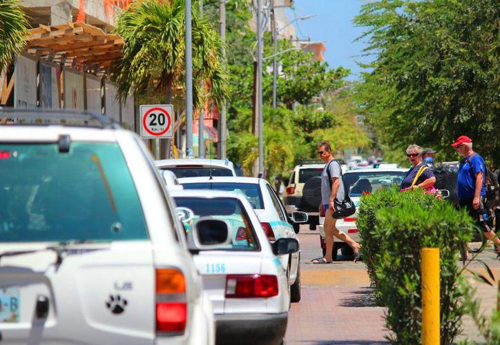 Buscan una alternativa de solución a la problemática de movilidad en Playa del Carmen. (Daniel Pacheco/SIPSE)