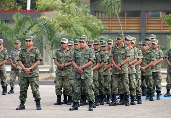 Militares deben desempeñarse en apego a los derechos humanos establecidos por la Constitución y tratados internacionales. (Redacción/SIPSE)