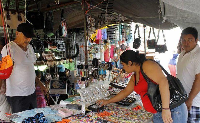 El empresariado yucateco exige que se cobre impuestos al comercio informal. (Archivo/Sipse)
