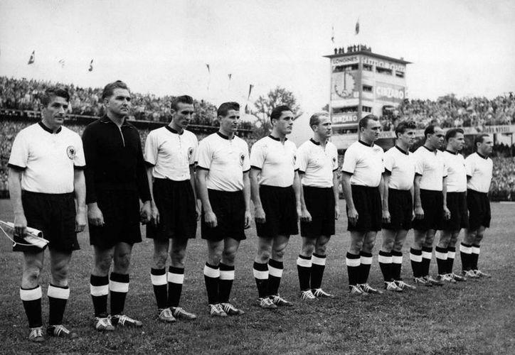 Futbolistas de la selección alemana, que ganó la Copa Mundial de 1954, fueron inyectados con Pervitin, la cual era 'normal' en el fútbol germano. (Agencias)