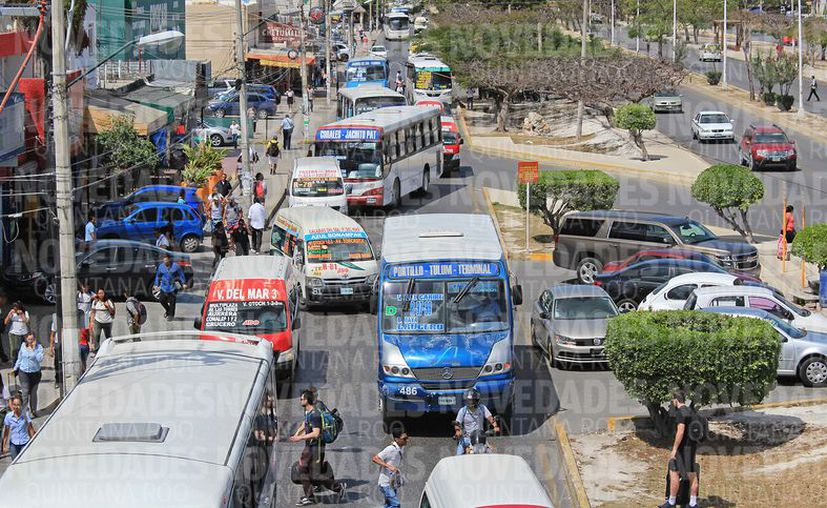 La visión integral para revivir la actividad económica de la avenida Tulum, en el tramo entre la glorieta El Ceviche y el Monumento a la Historia. (Foto: Jesús Tijerina/SIPSE)