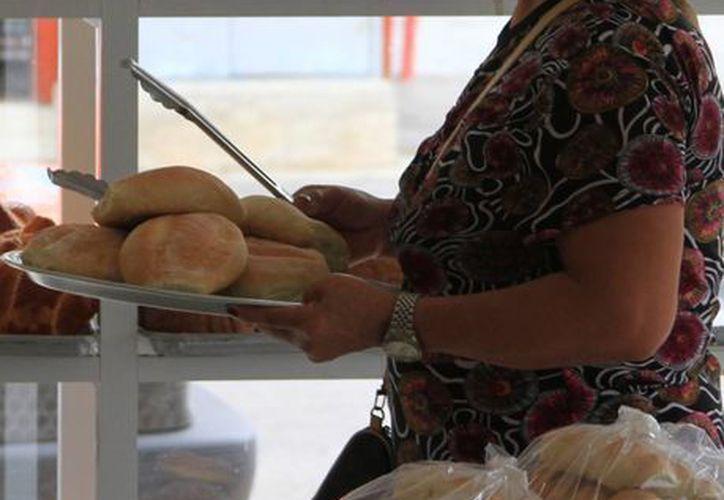 En los últimos años, el cierre de panaderías ha sido continuo. (Ángel Castilla/SIPSE)